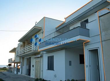 """Zona """"Quattro Colonne"""" - Appartamento Vista mare-S. Maria al Bagno-001"""