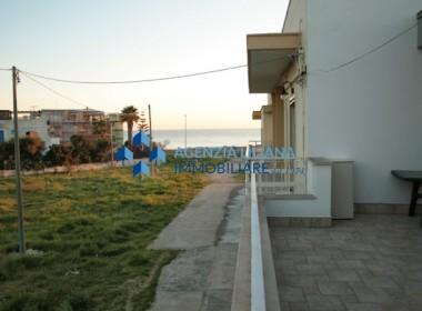 """Zona """"Quattro Colonne"""" - Appartamento Vista mare-S. Maria al Bagno-012"""