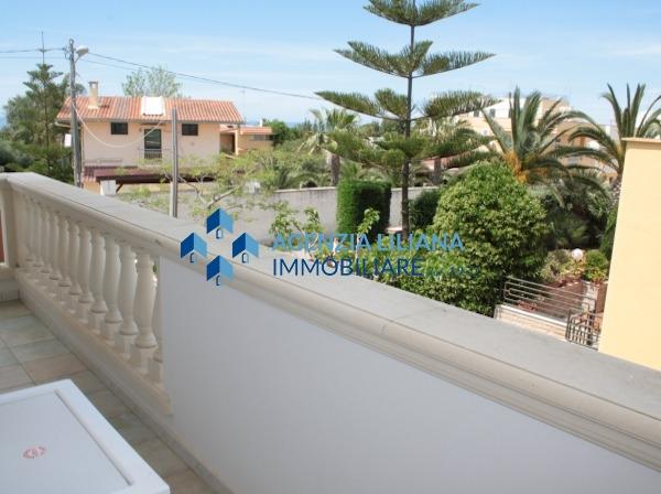 Apartment with swimming pool agenzia liliana immobiliare - Piscina lamarmora ...